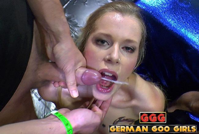 Mature women masturbating cocks
